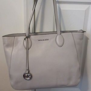 NWT Michael Kors Ani Large Leather Tote in Cement